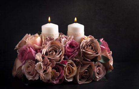 נרות פרחים ומה שבינהם
